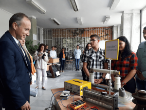 """Възможностите за дуално образование на учениците от Професионалната гимназия по ядрена енергетика """"Игор Курчатов"""" обсъди с представители на АЕЦ """"Козлодуй"""" просветният министър Красимир Вълчев."""